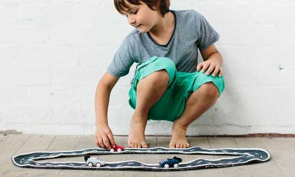 ladedah5, crochet race track