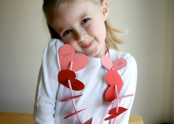 valentines-diy-heart-necklace