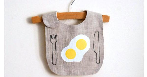 egg bib 1