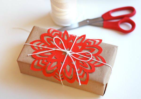 snowflake-gift-topper