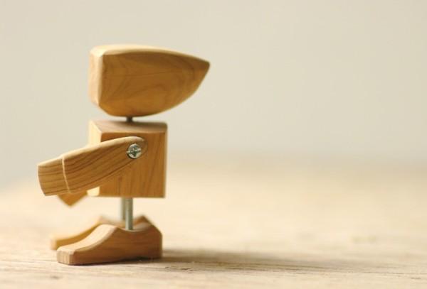 Egg & Yolk wooden robot