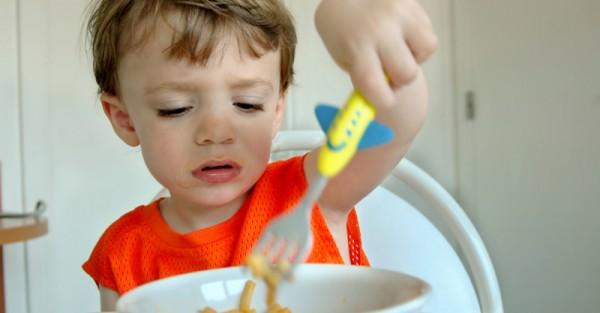 toddler eating sl