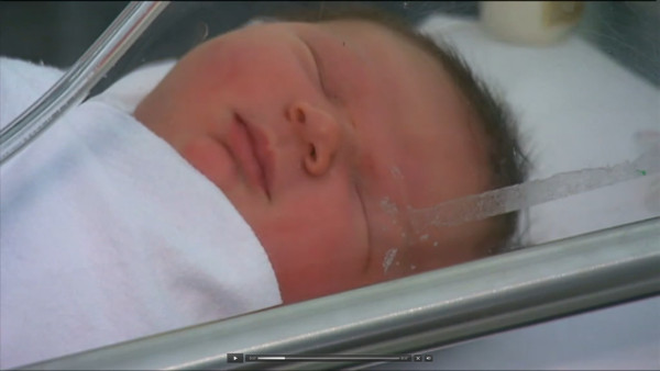 Ninemsn: Breanna Sykes, 18, delivered her son Ziad Kadic at Joondalup Health Campus in Perth's northern suburbs on Saturday. His birth weight of 13.2 pounds, or 5.987kg, broke the hospital's record. Read more at https://www.9news.com.au/national/2016/05/02/09/00/first-time-perth-mum-gives-birth-to-baby-weighing-almost-six-kilograms