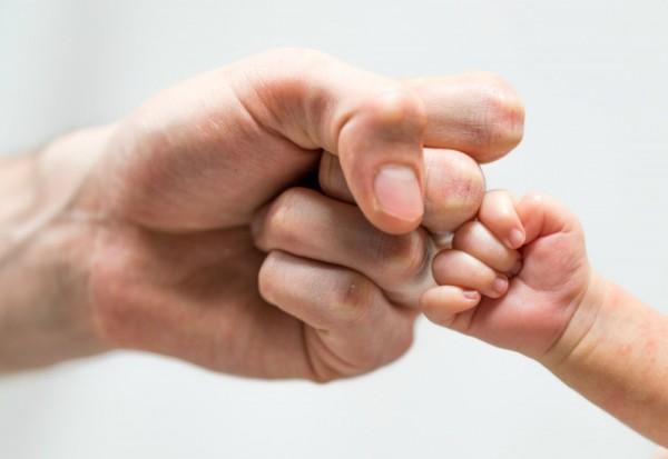 dad hands sl 2