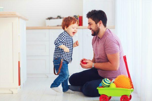 toddler dancing dad
