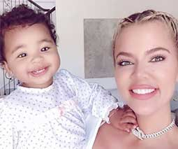Khloe with bay daughter True