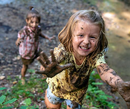 playing in mud thumbnail