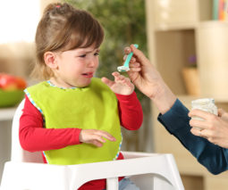 Toddler refuses food mum is trying to feed her
